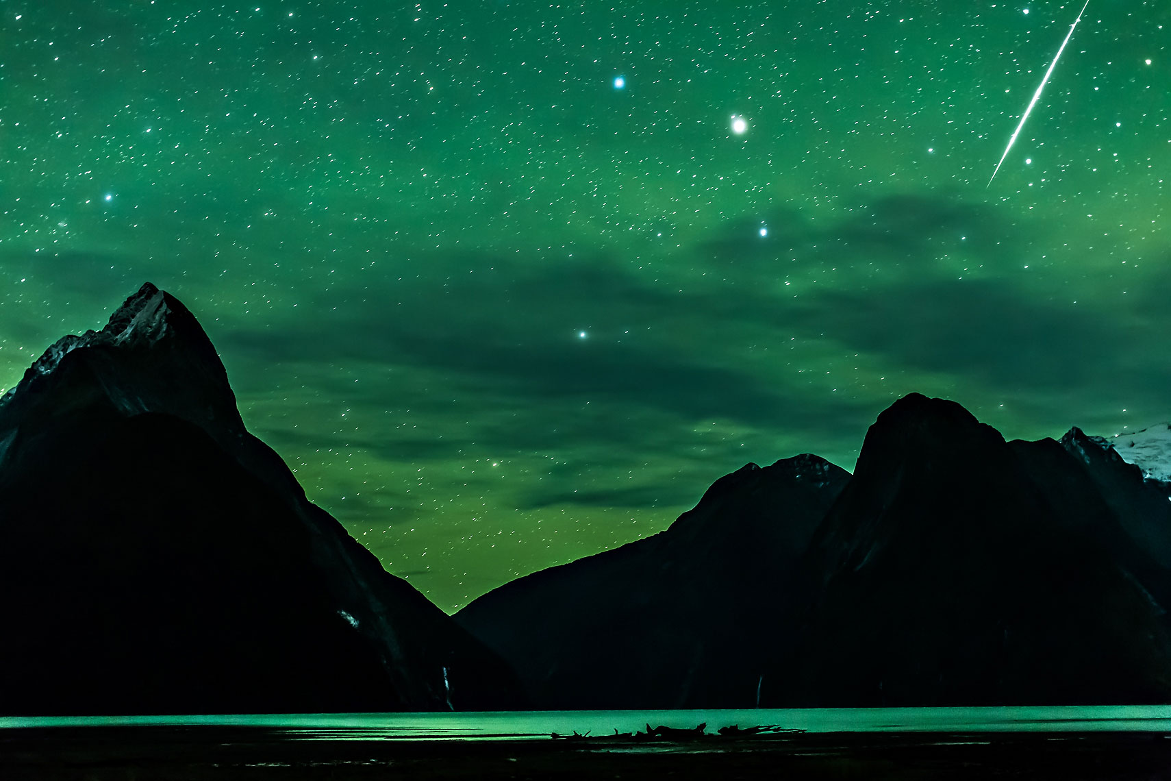 Milford Sound Green Airglow