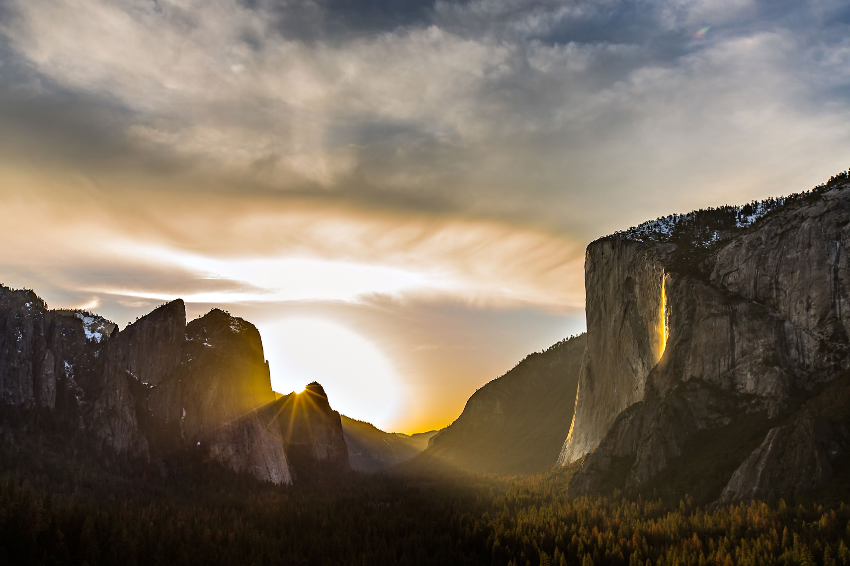 Yosemite Firefall Lightbeam