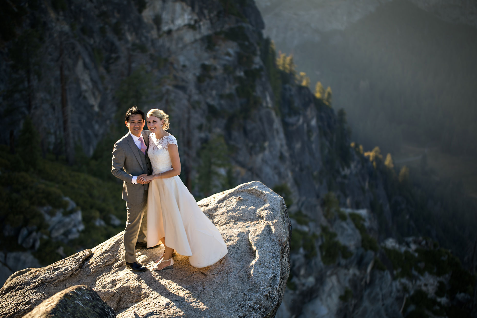 Glacier Point intimate wedding photography in Yosemite.