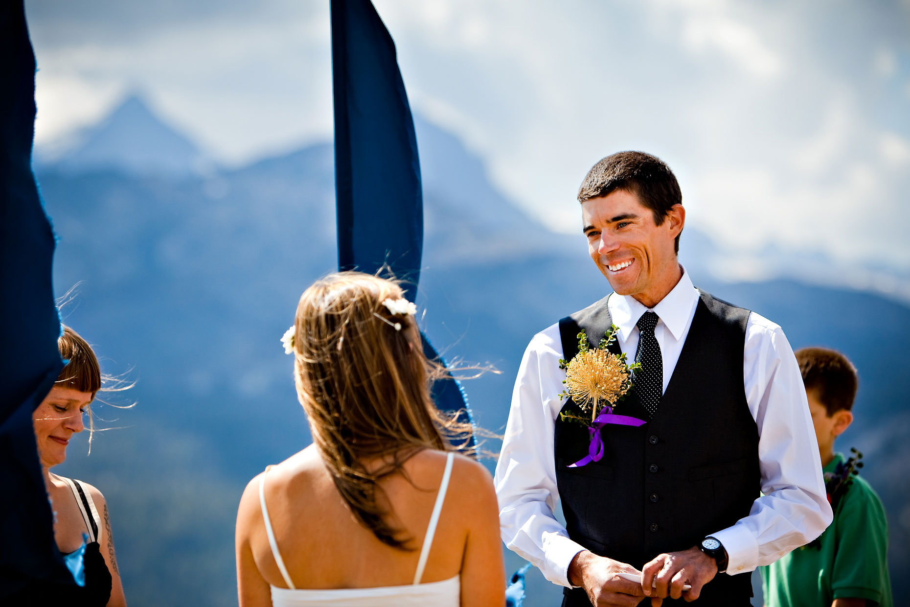 Mammoth Lakes Minaret summit wedding photographer.