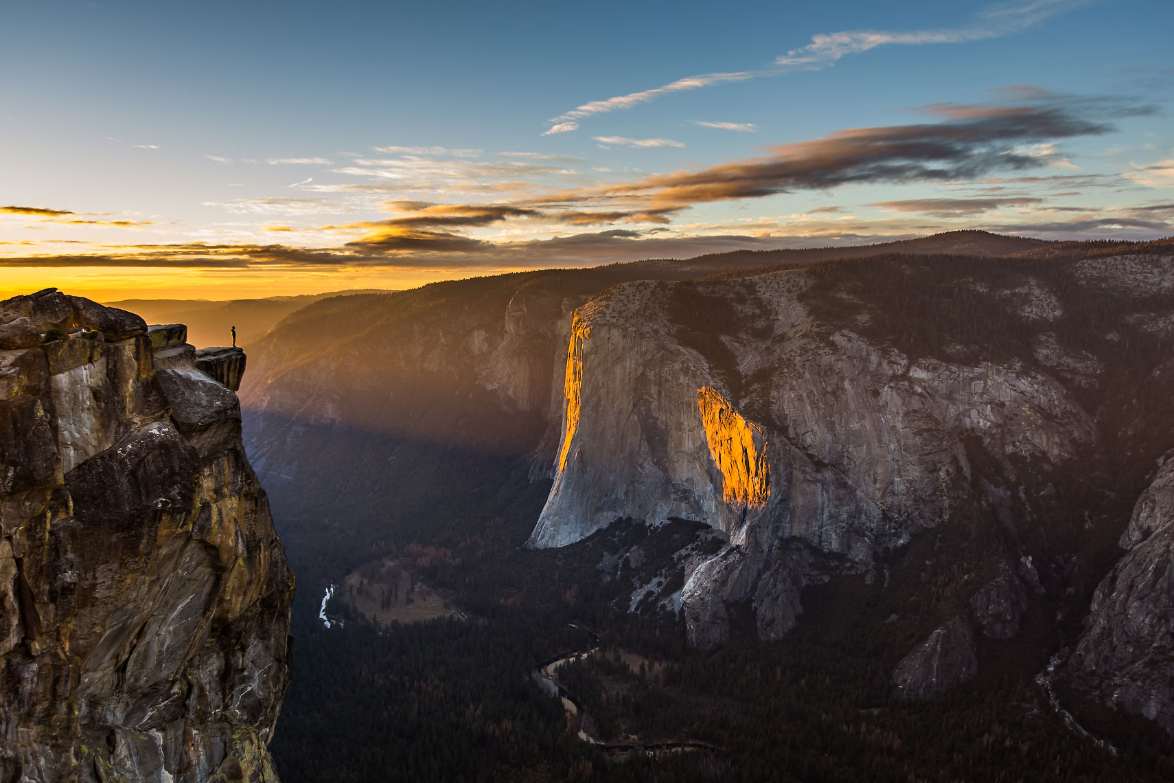 Yosemite Taft Point Sunset
