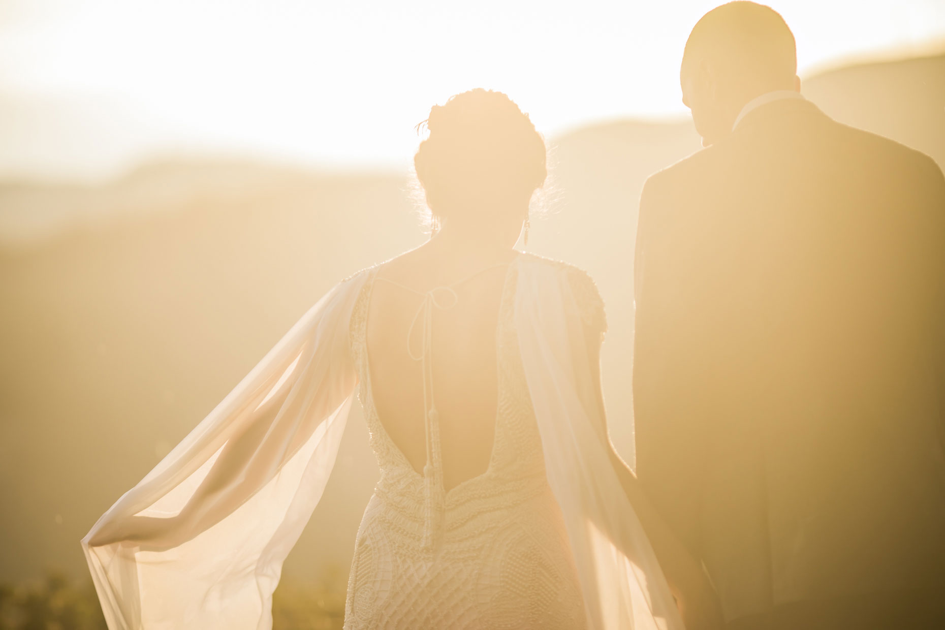 Wedding couple in golden light.